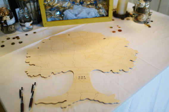wooden tree puzzle sign in table for wedding
